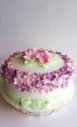 Red Carpet Weddings cakes