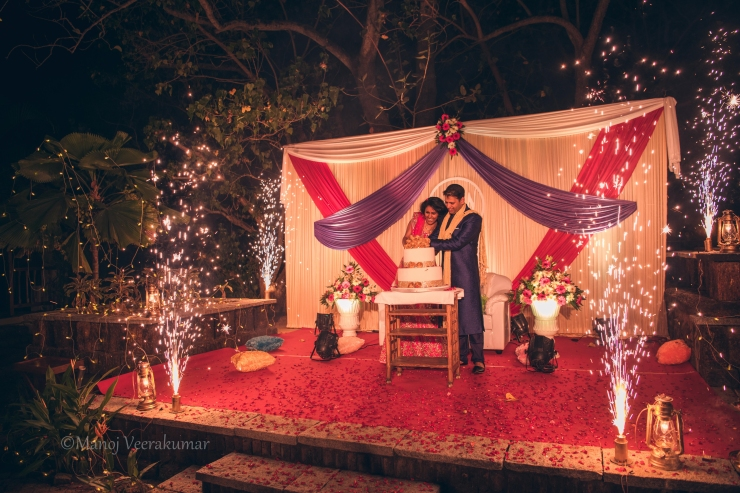 fire works during the cake cutting_destination wedding planner kerala
