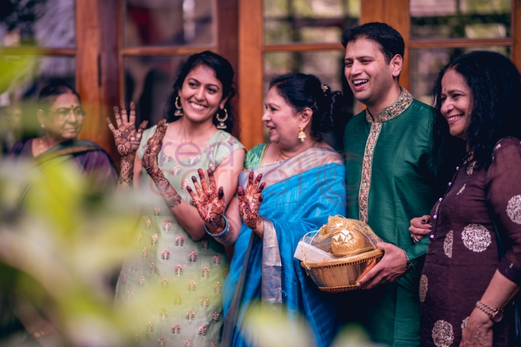 RED CARPET WEDDINGS IYER WEDDING gifts from the bride grooms party_destination wedding planner kerala